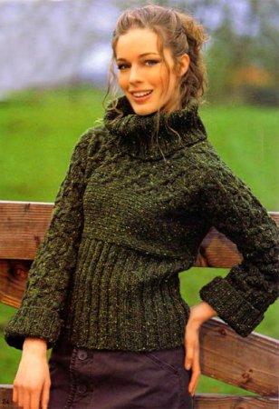Пуловер из твидовой пряжи, связанный поперёк
