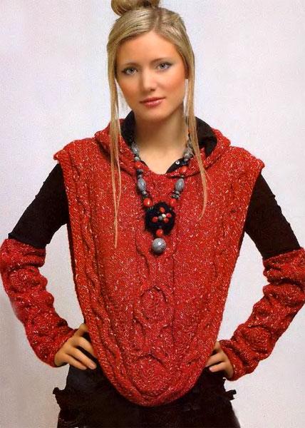 Вязаная модной накидка с капюшоном в комплекте с вязаными