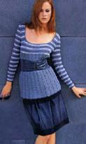 Вязание пуловера с полосатыми рукавами и кокеткой