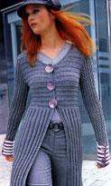Короткое пальто с крупными пуговицами