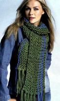 Зеленый шарф с бахромой