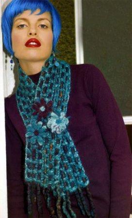 Оригинальный шарф с цветами