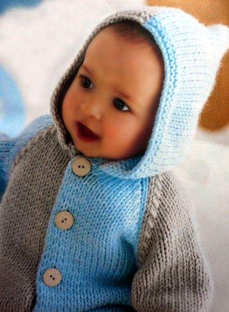 Бежево-голубой жакет с капюшоном