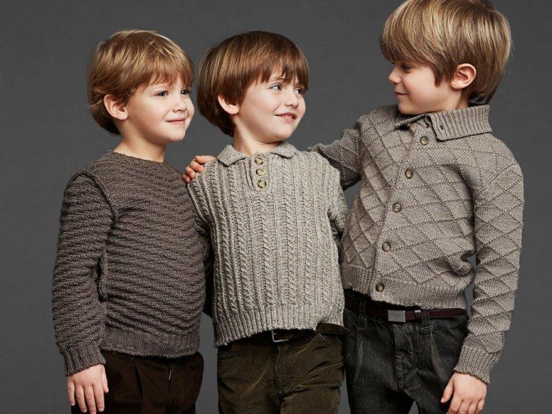 модные вязаные свитера для мальчиков