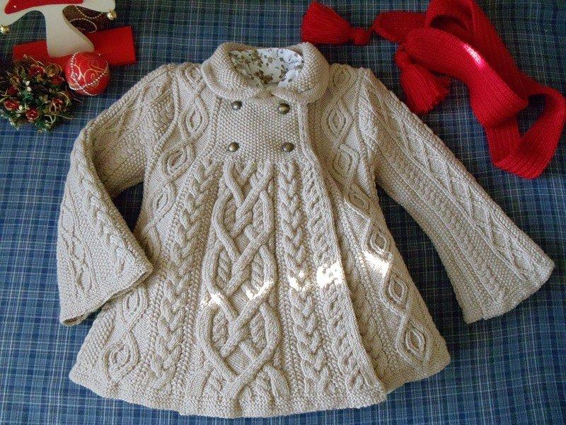 вязаное пальто для девочки