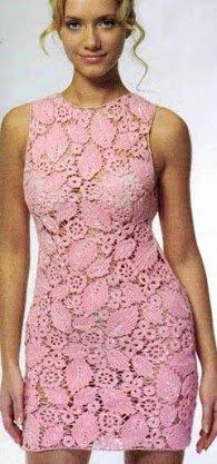 Ажурное розовое платье связанное крючком