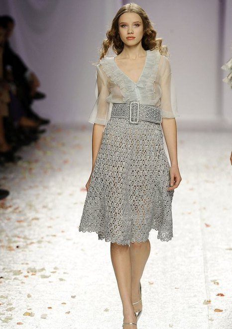 Дизайнерская юбка с поясом, связанная своими руками крючком