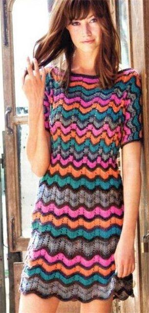 платье-туника с узором зигзаг