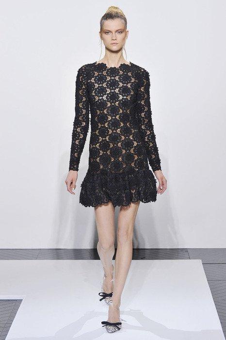 Роскошное платье в стиле Валентино крючком