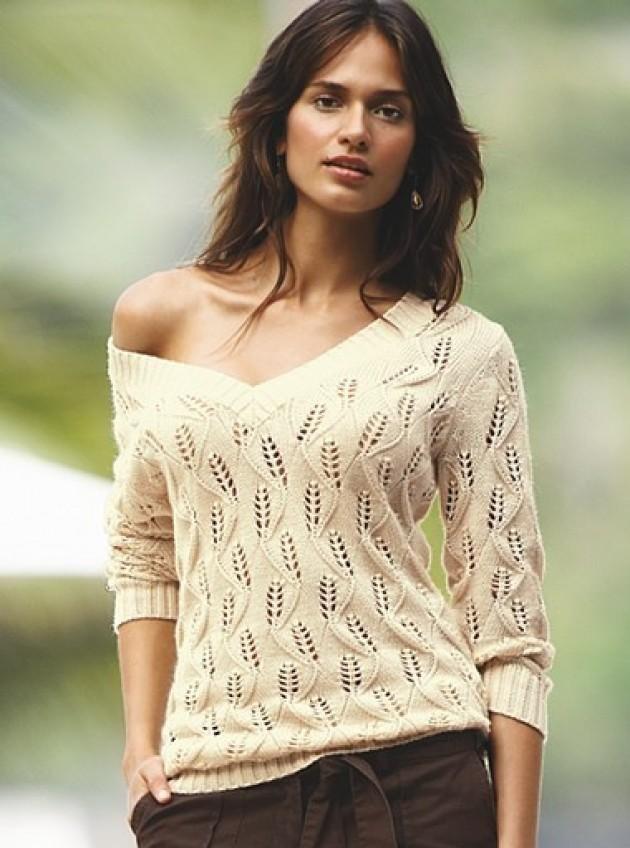 Летний песочный пуловер спицами
