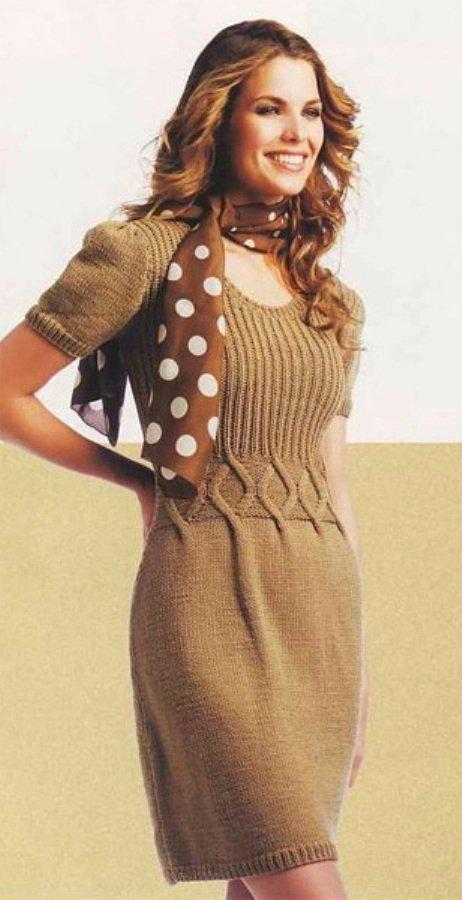 Стильное платье бейби долл спицами