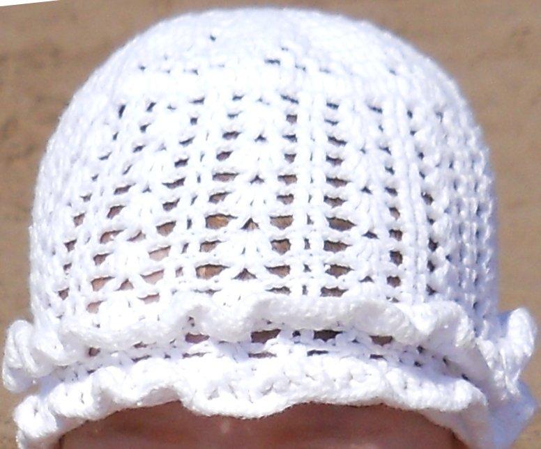 Ажурная летняя шапочка для девочки