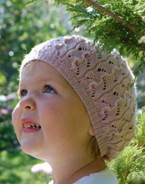 Летняя шапочка для девочки спицами