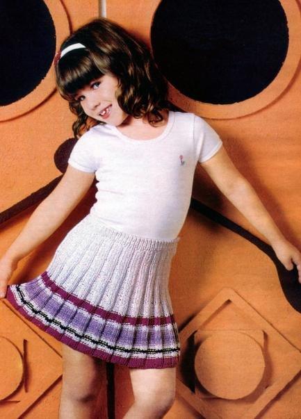 Детская плиссированная юбочка спицами