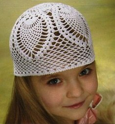 Летняя ажурная шапочка для девочки крючком