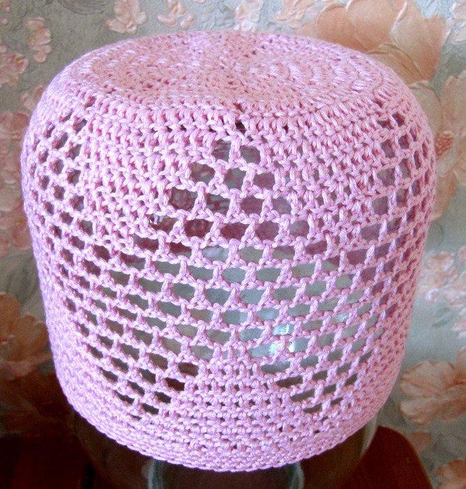 Летняя ажурная шапочка для девочки из розовой пряжи
