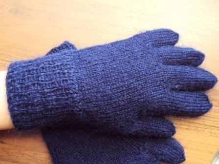 Перчатки спицами для девочки