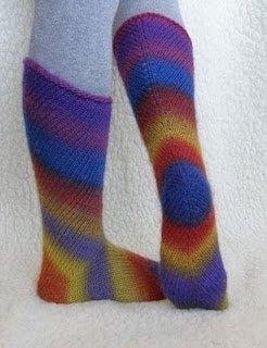 Детские носки в технике вязания