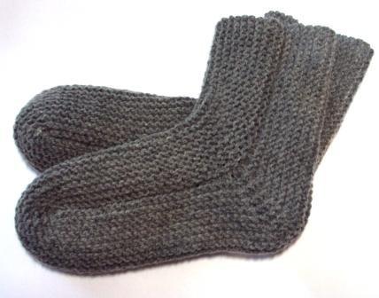 Носки для мальчика платочной вязкой