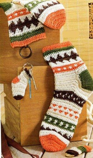 Жаккардовые носочки для мальчика крючком