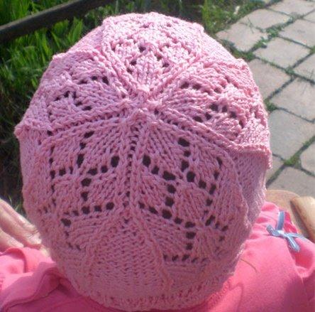 Ажурная летняя шапочка спицами