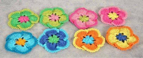 Украшение-цветок для шапочки крючком