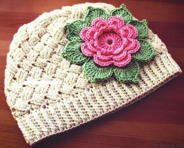 Весенняя шапочка для девочки в стиле прованс