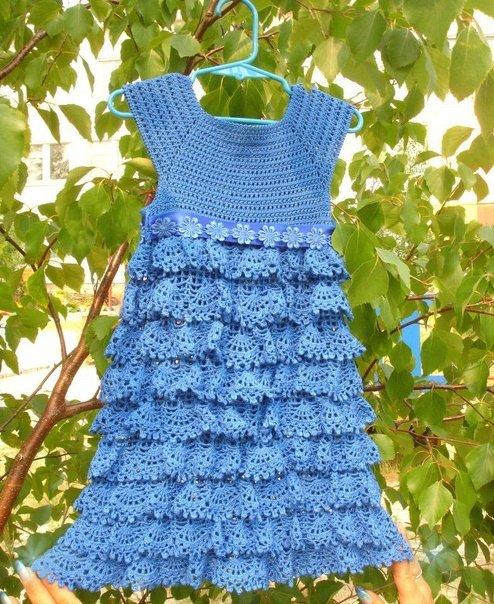 Нарядное платье для девочки с воланами