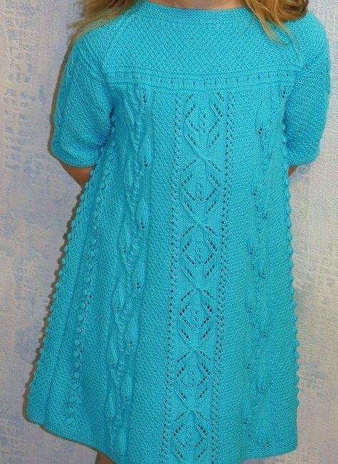 Бирюзовое ажурное платье спицами