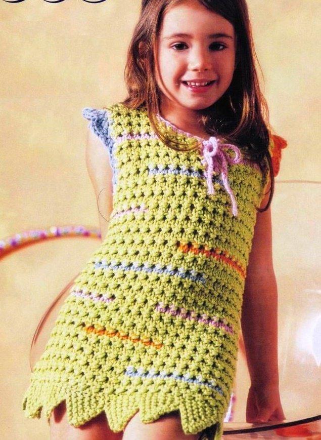 Разноцветное летнее платье для  девочки 10 лет спицами