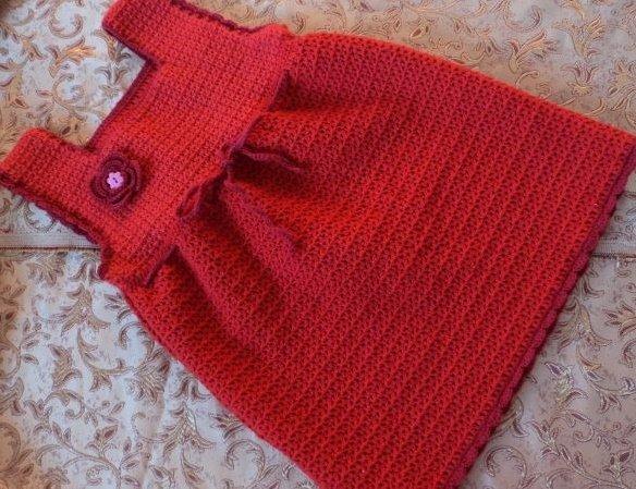 Красное платьице для девочки на 1 год крючком