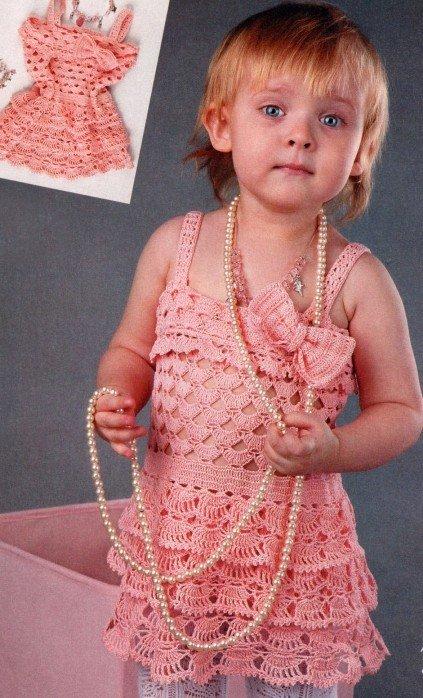 Ажурное платье с бантом для девочки 2 года