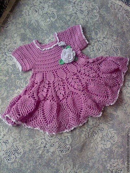 Розовое ажурное платье для девочки с цветком