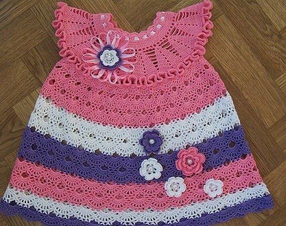 Платье для девочки вязанное крючком на круглой кокетке