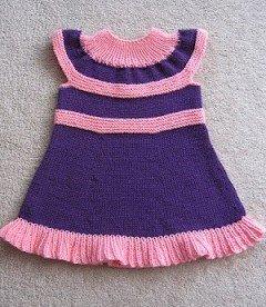 Платье для девочки с круглой кокеткой спицами