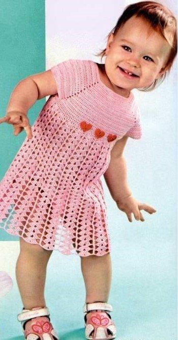 Розовое кружевное платье для девочки крючком