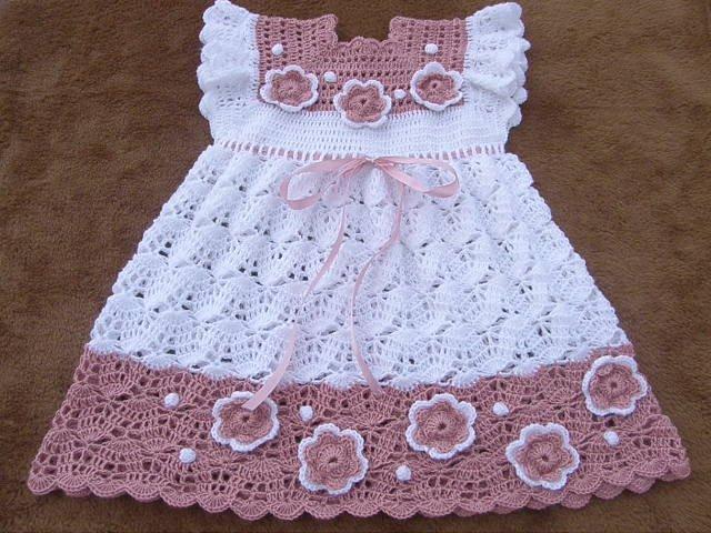 Нарядное платье для девочки на  1 год крючком