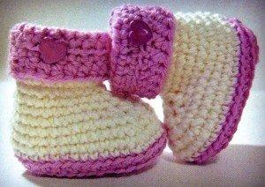 Бело-розовые пинетки для девочки крючком