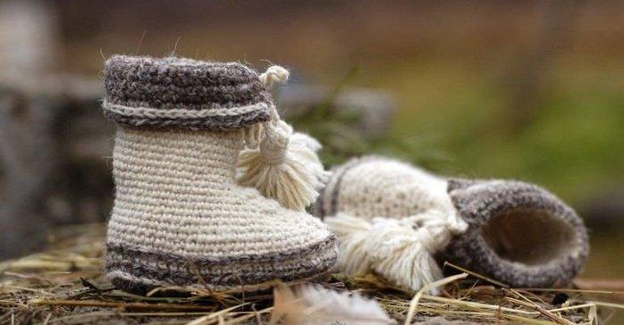 Пинетки для девочки из натуральной овечьей шерсти