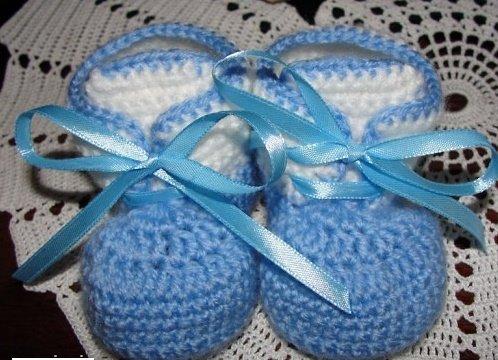 Голубые пинетки для мальчика крючком