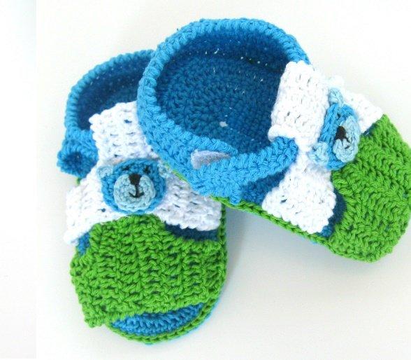 Разноцветные пинетки-сандалики для мальчика