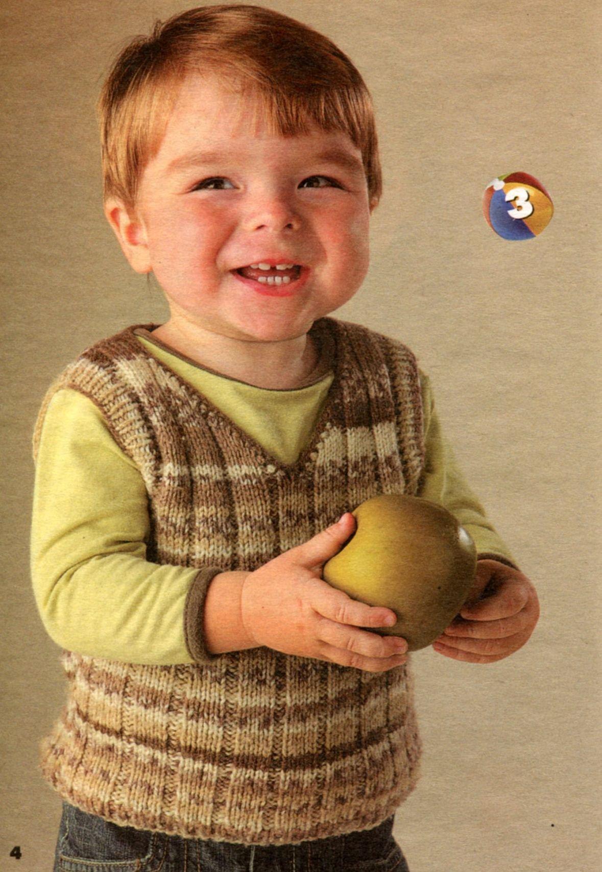 Жилетка для мальчика из меланжевой пряжи спицами