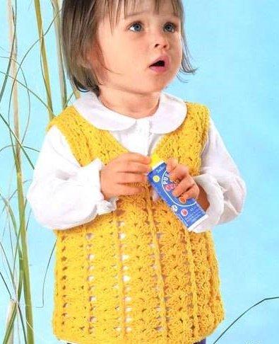 Солнечная ажурная жилетка для девочки крючком