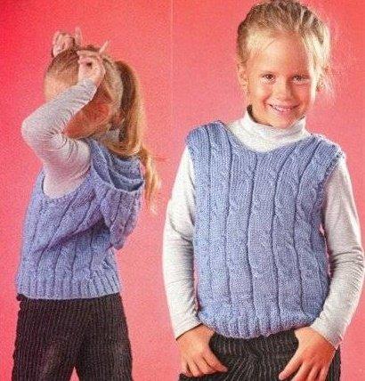 Жилетка для девочки с капюшоном спицами
