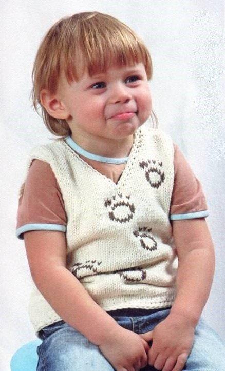 Жилетка для мальчика 3 лет с вышивкой