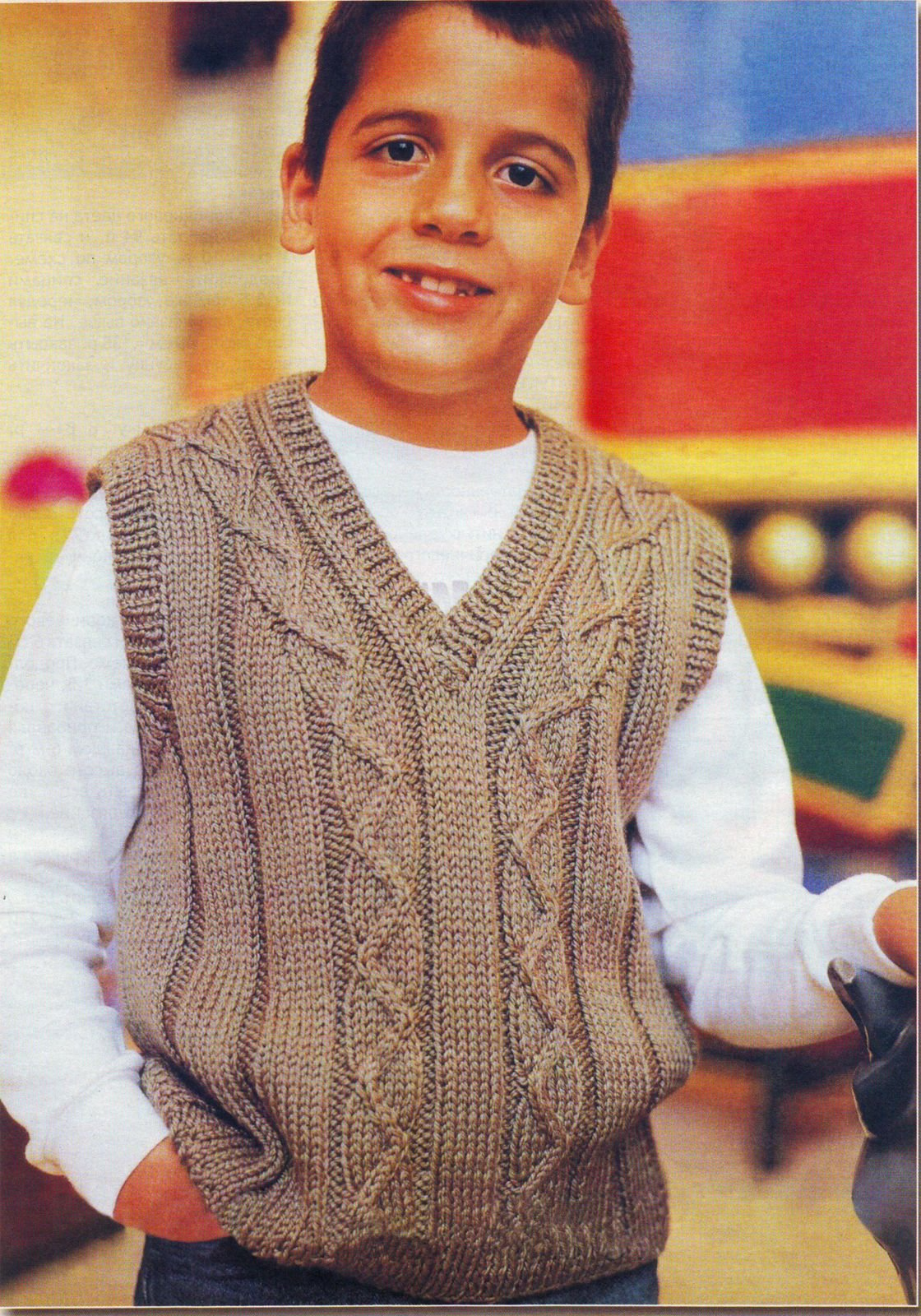 Классическая жилетка спицами для мальчика 10 лет