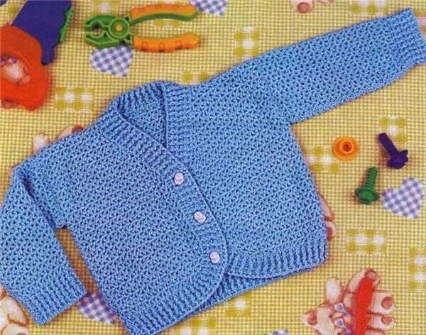 Голубая кофточка для мальчика крючком
