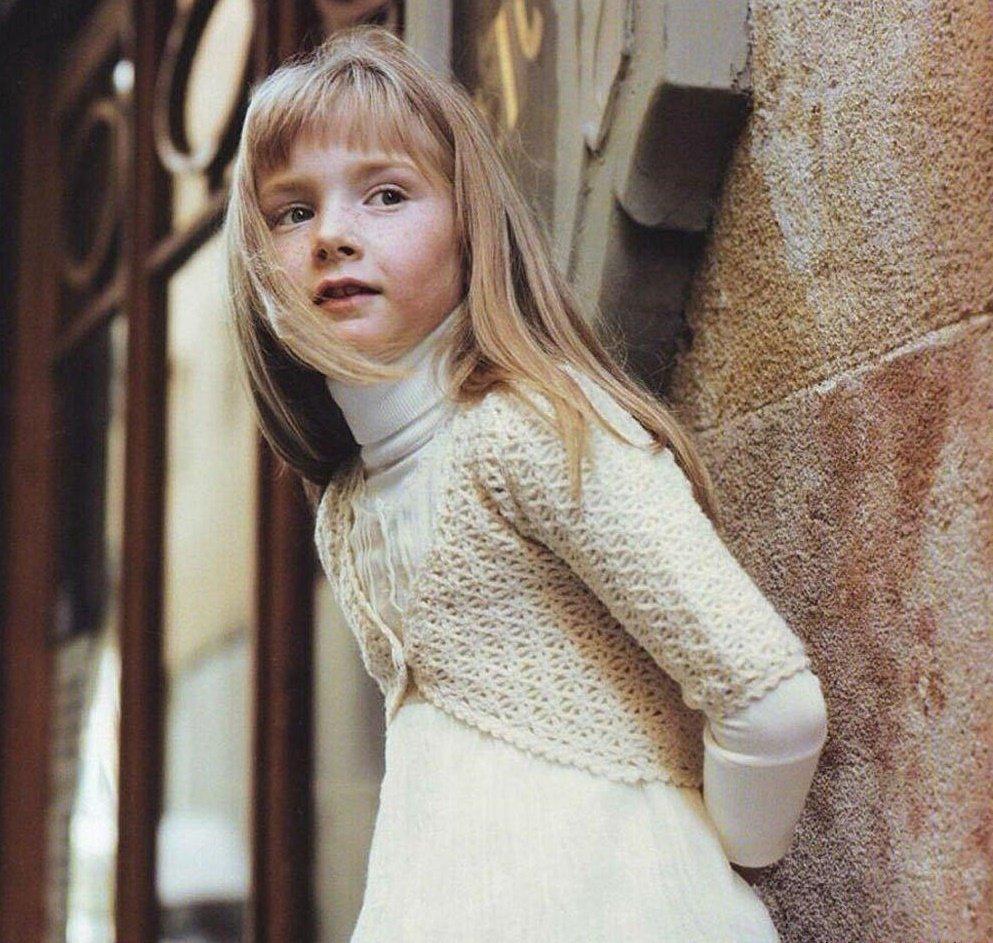Болеро из шерстяной пряжи для девочки 10 лет