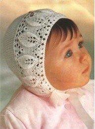 Вязаная шапочка для самой маленькой спицами