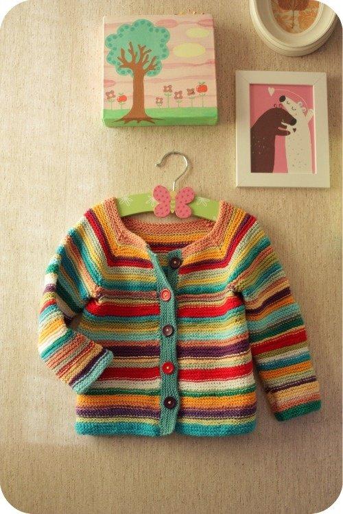 Кофточка для девочки спицами из остатков разноцветной пряжи